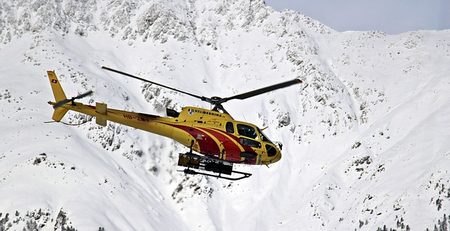 helicopter-3020978_640
